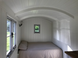Shepherd hut - fron