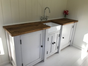 Shepherd hut - sink 2