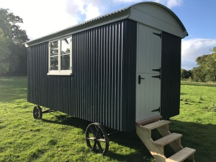 Shepherd hut - Side View 2