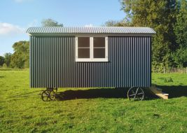 Shepherd hut - Side View 3