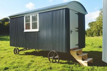 Shepherd hut - Side view 5