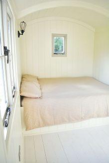 Shepherd hut - Bed with Window